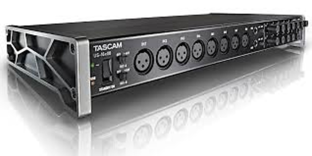INTERFACE TASCAM US16 x 8